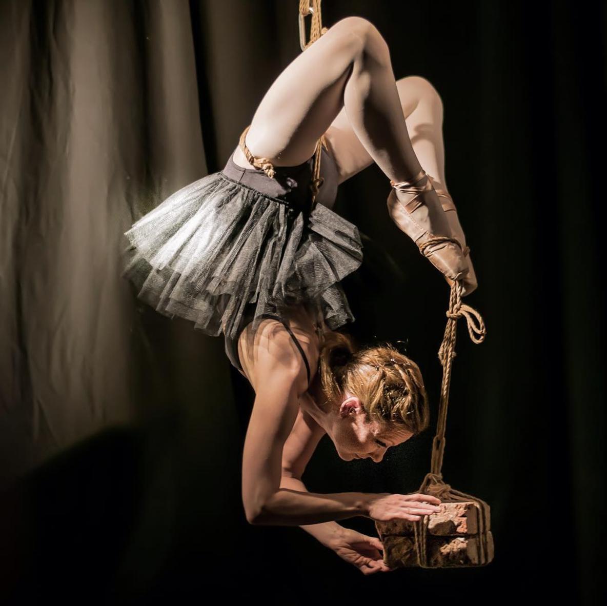 novaya-bdsm-balerini-podves-bolshoy